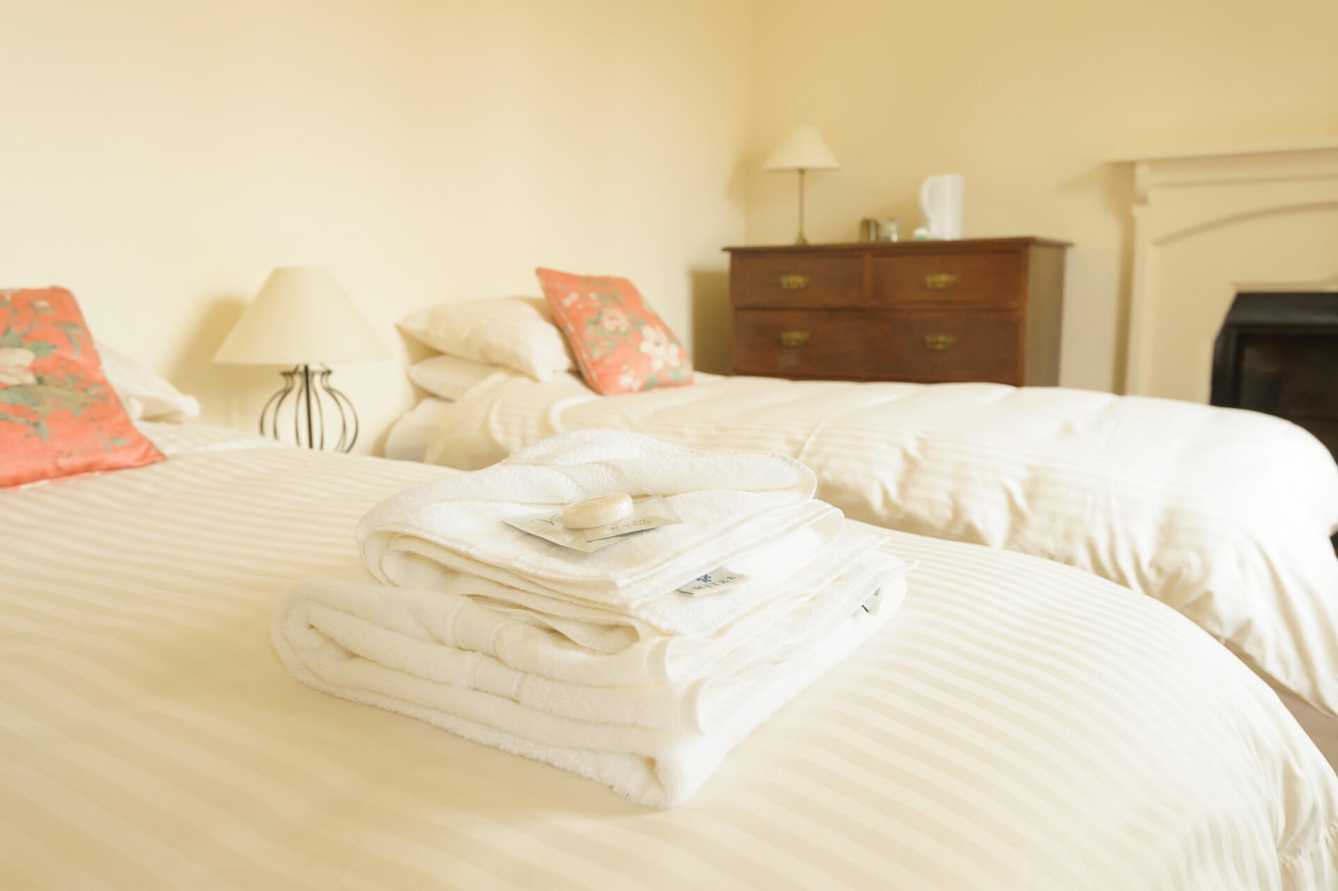 ensuite-room-bedroom